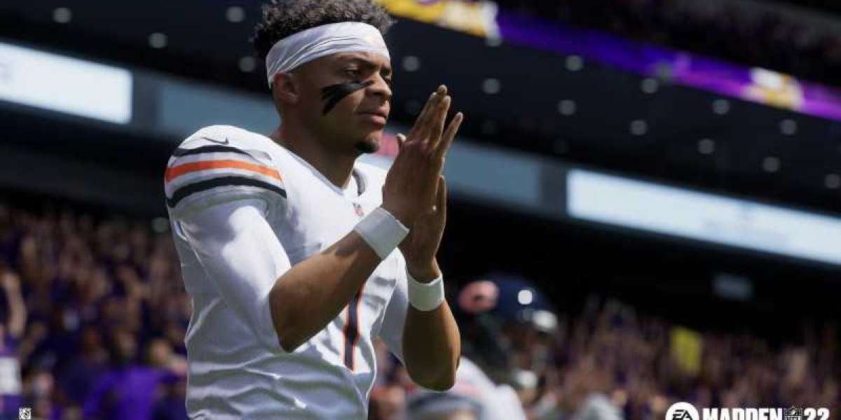 How do Madden 22 Ultimate Team players earn training points?